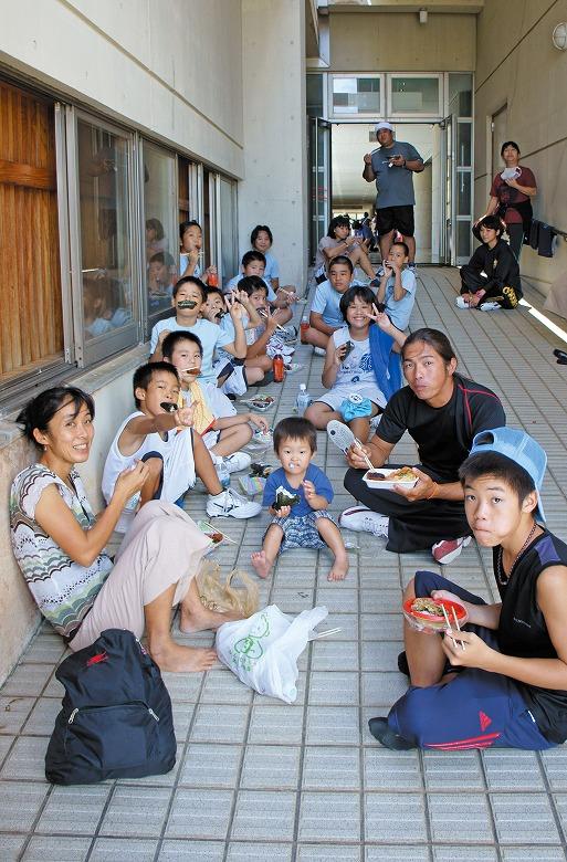 竹富町ミニバスケットボール交流大会の昼ごはん
